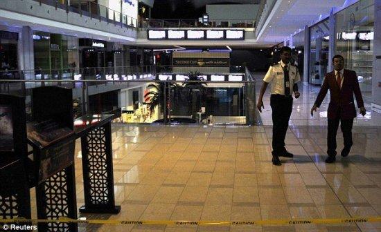 """В торговом центре """"Dubai Mall"""" потек гигантский аквариум!"""