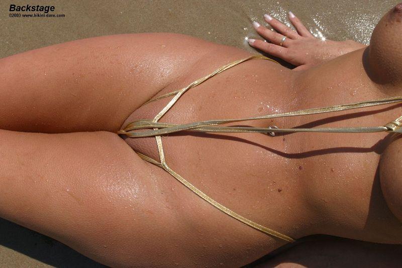 mini-bikini-na-devushkah-porno