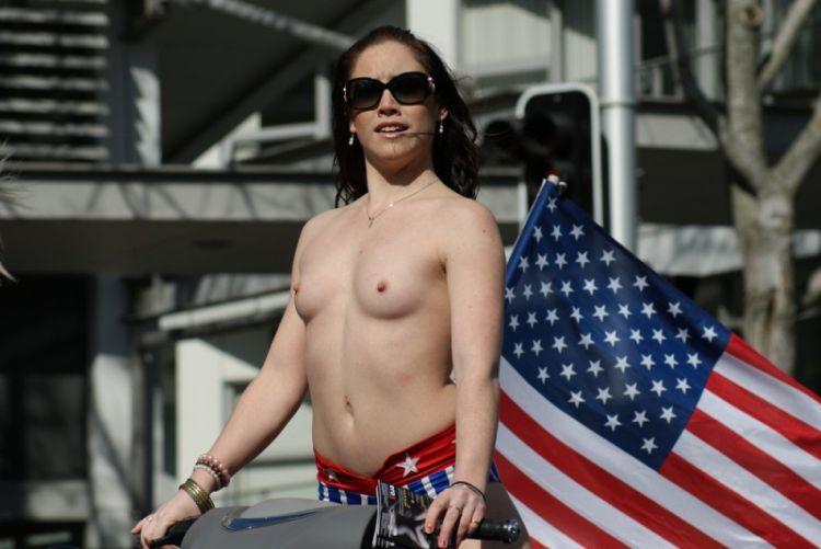 Смотреть порно в парадном 29 фотография