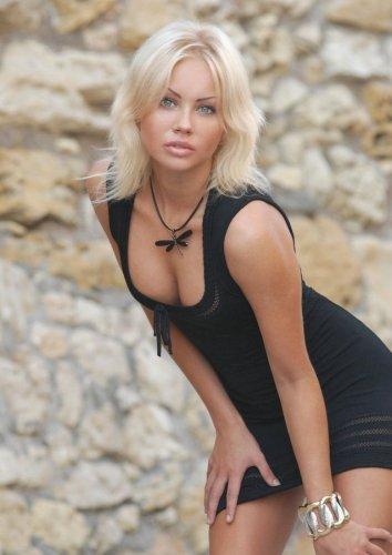 Блондинка секси
