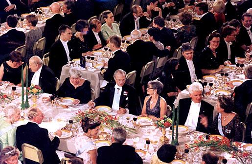 Какой тост первый на банкете нобелевской премии