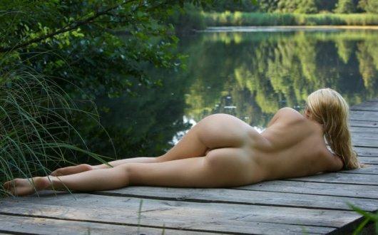 posmotret-golih-krasivih-devushek