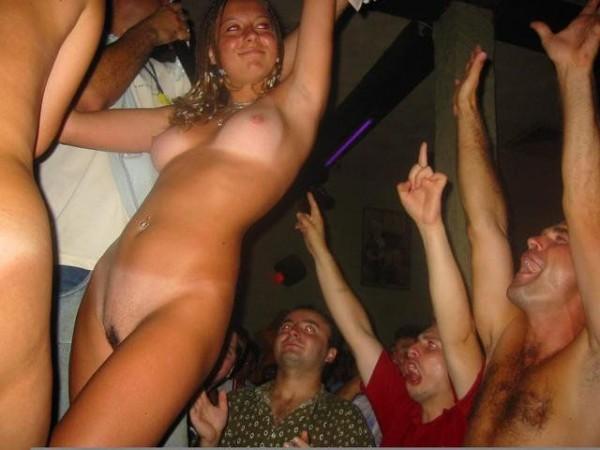 Голые пьяные бабы вечеринки фото