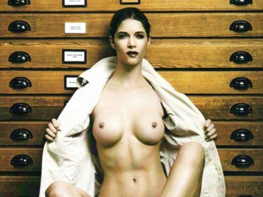 Абсолютно голая топ-модель Микаэла Шафер