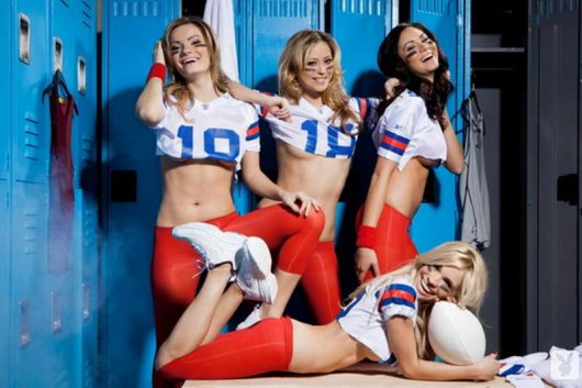 Девушки с Playboy на финальном матче Американской Лиги