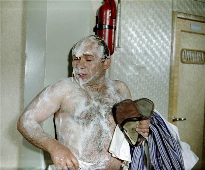 В советском кино голые