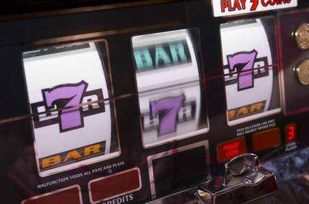 Игровые автоматы закономмерность игровые автоматы пирамида скачать торрент